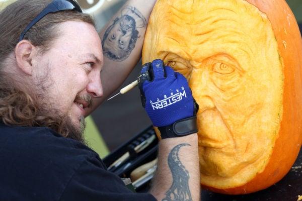 Pumpkin carver Luke Schroder