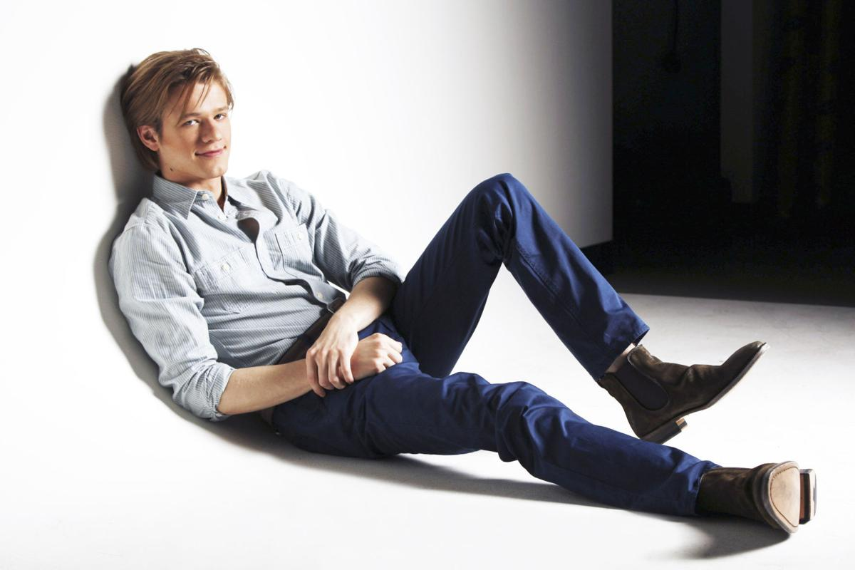 Macgyver 2 0 Lucas Till Gets A New Chance To Work The