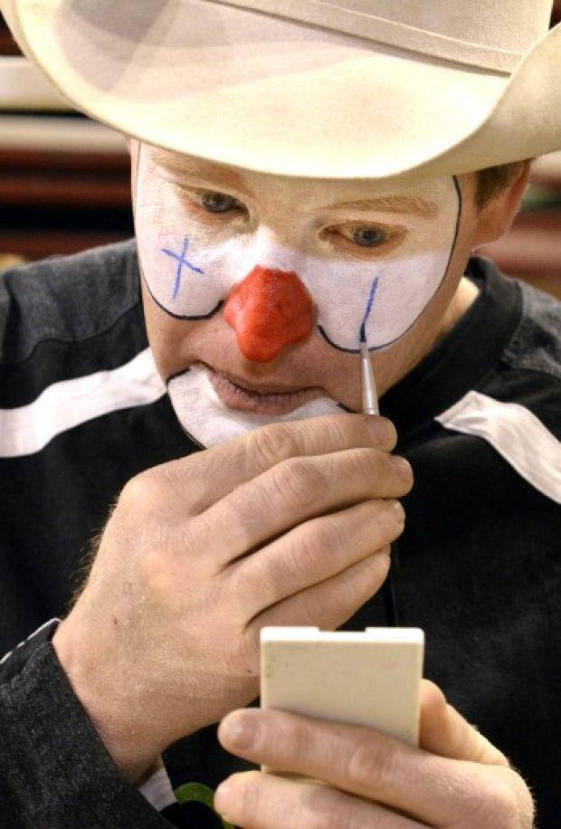 Horlyk Meet Hippie Professional Rodeo Clown