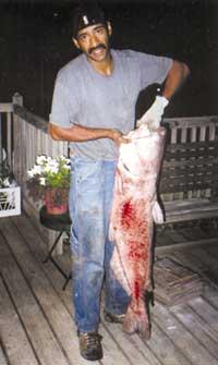 Sioux Cityan snags monster blue catfish