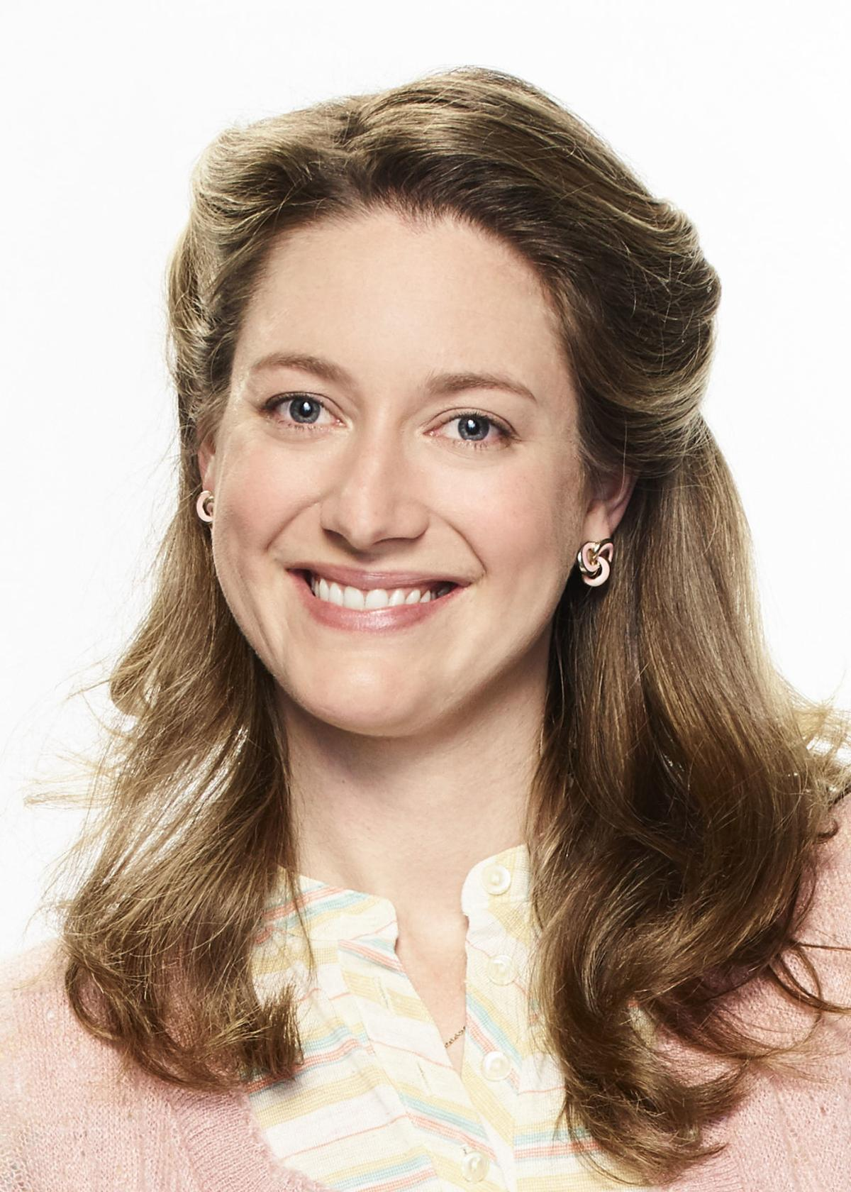 Young Sheldon S Zoe Perry Says Mom Knows Best Television