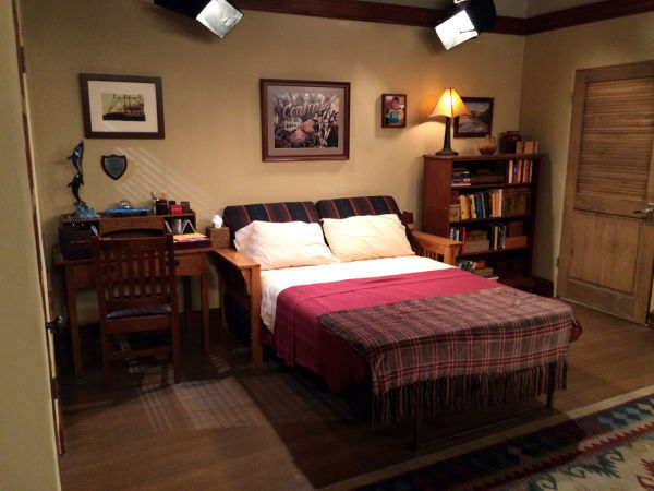 Photos A Visit To The Set Of Two And A Half Men