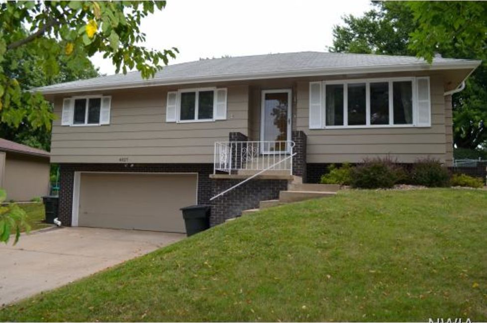3 Bedroom Home in Sioux City - $170,000
