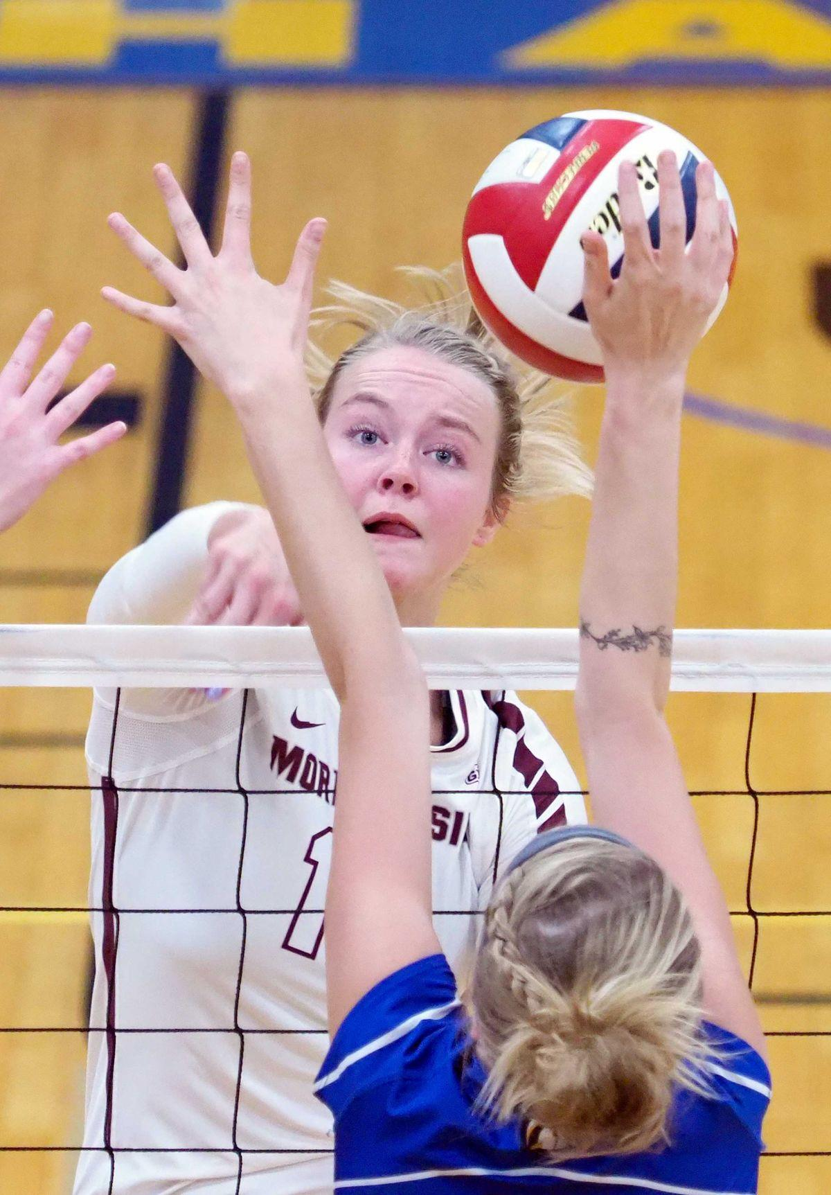 Morningside at Briar Cliff volleyball