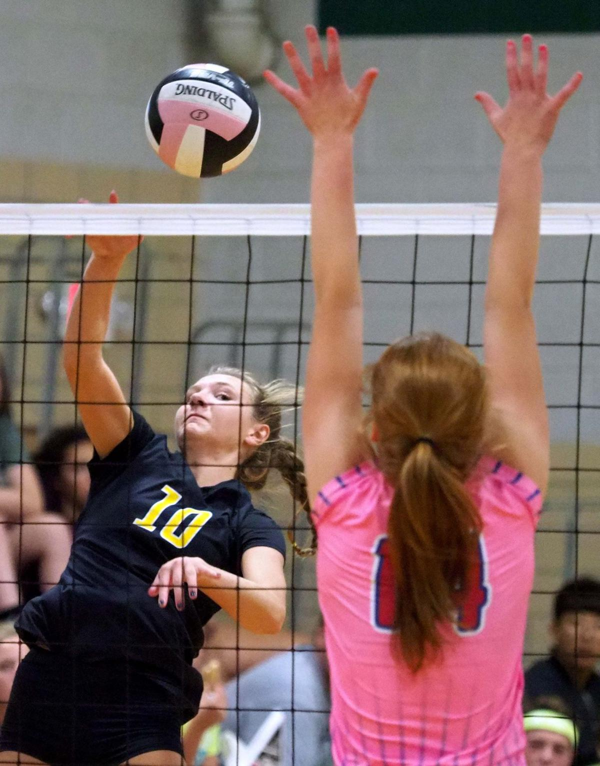 West Sioux vs Hinton volleyball