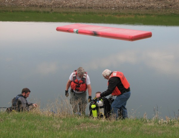 Dive team prepares to rescue Coca-Cola truck