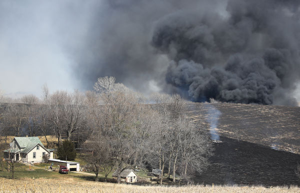 Grass Fire north of Sioux City March 31, 2015