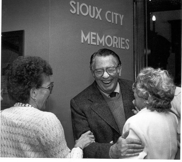 Actors from Sioux City: MacDonald Carey
