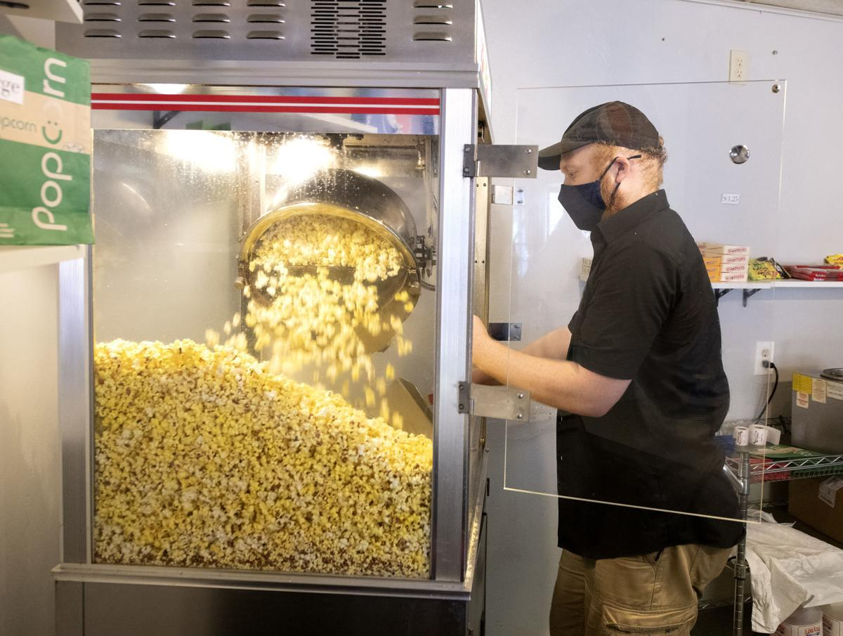Popcorn Sales Keep Vermillion Movie Theater Popping Columnists Nick Hytrek Siouxcityjournal Com