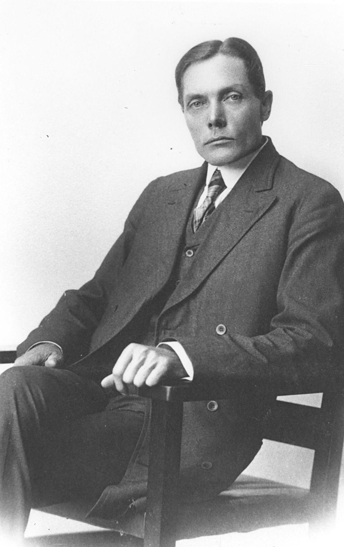 Wallace Short