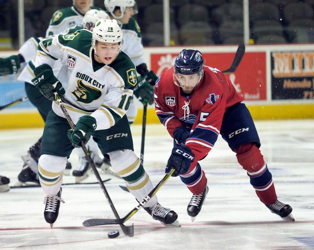 Central Illinois Flying Aces at Musketeers hockey