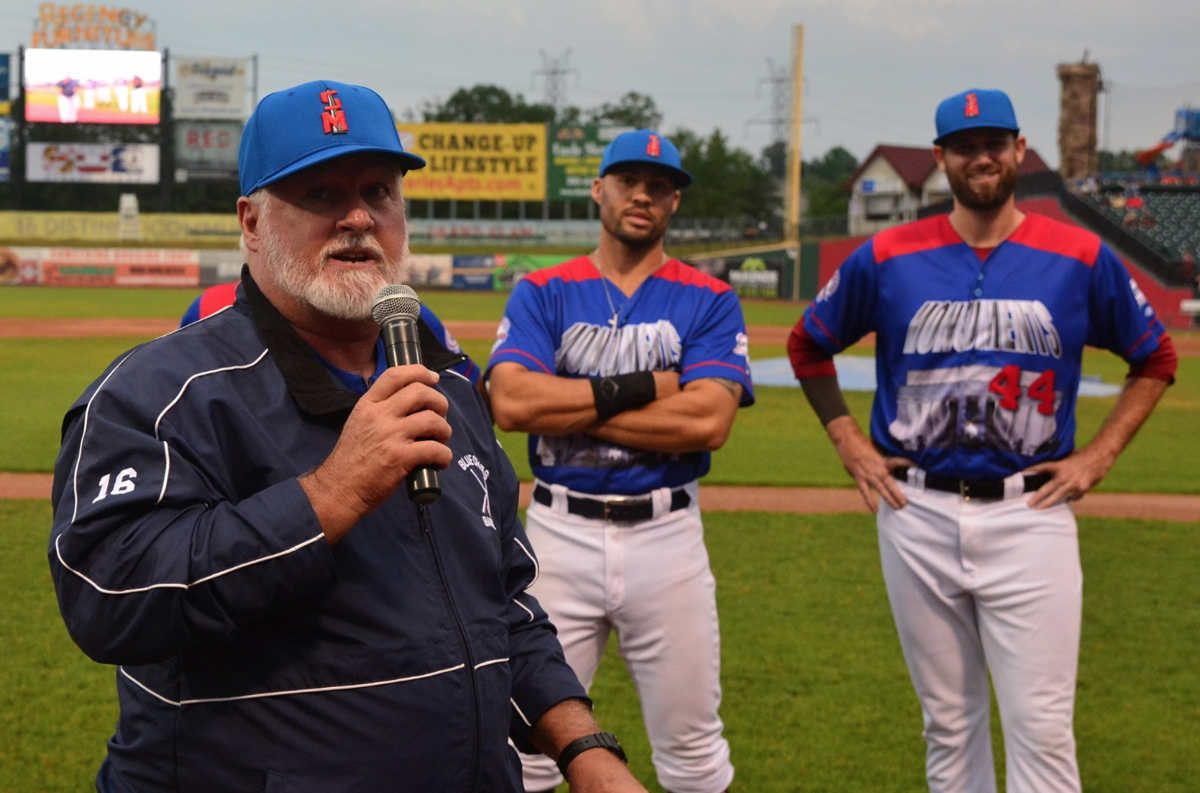 Stan Cliburn (Blue Crabs manager)