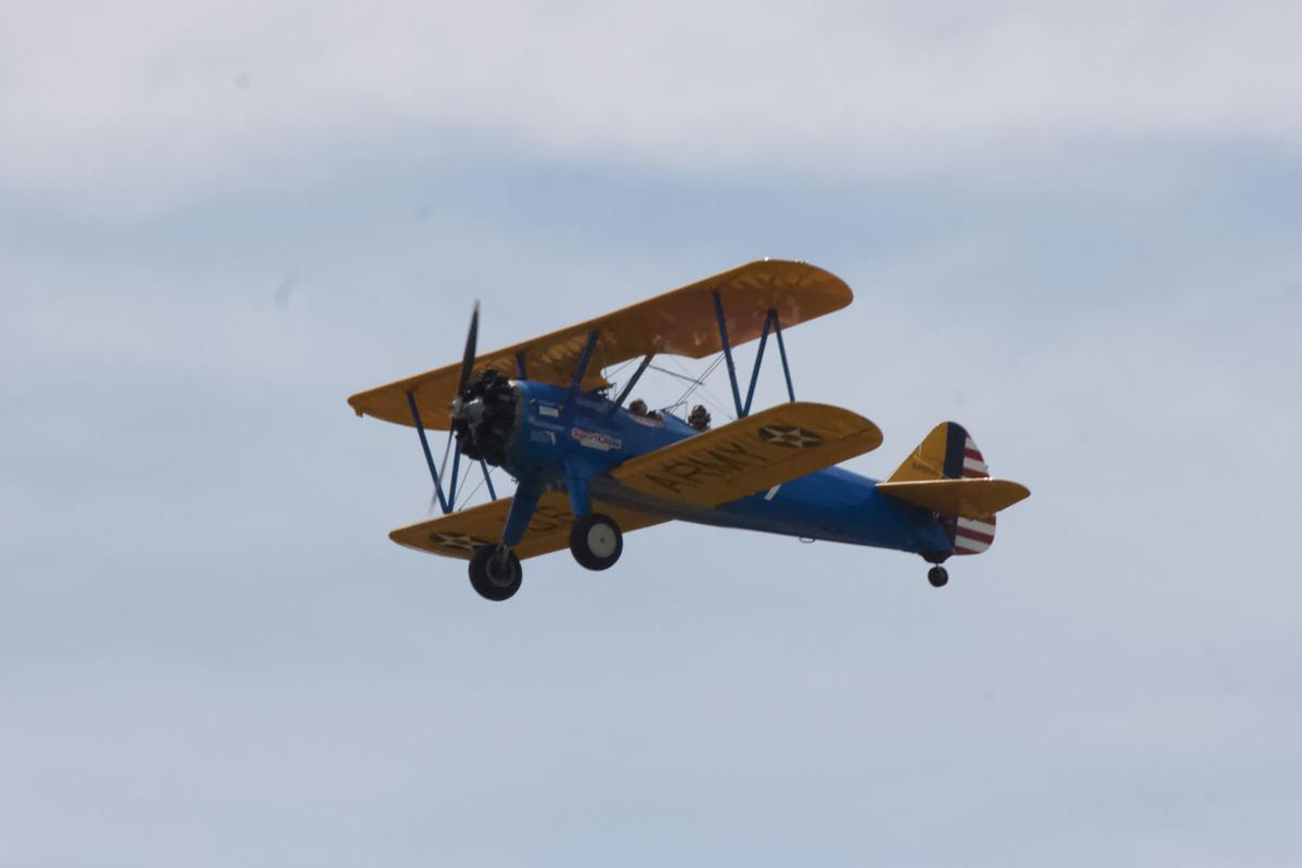 World War II veteran gets ride in vintage biplane