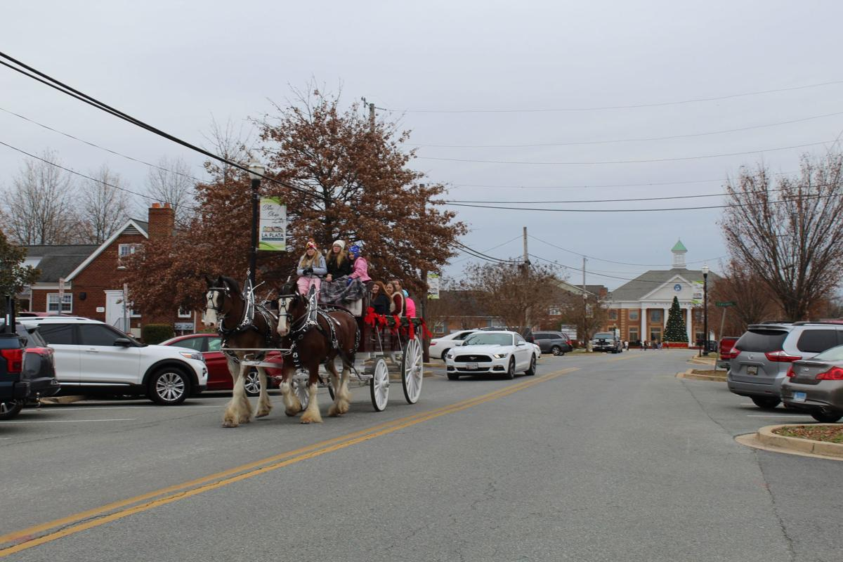La Plata gets in the holiday spirit, shops small