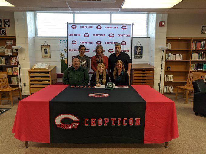 Kaitlyn Courtney signing photo