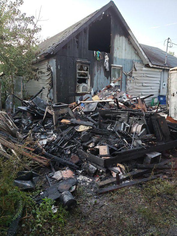 Leonardtown house and shed burn