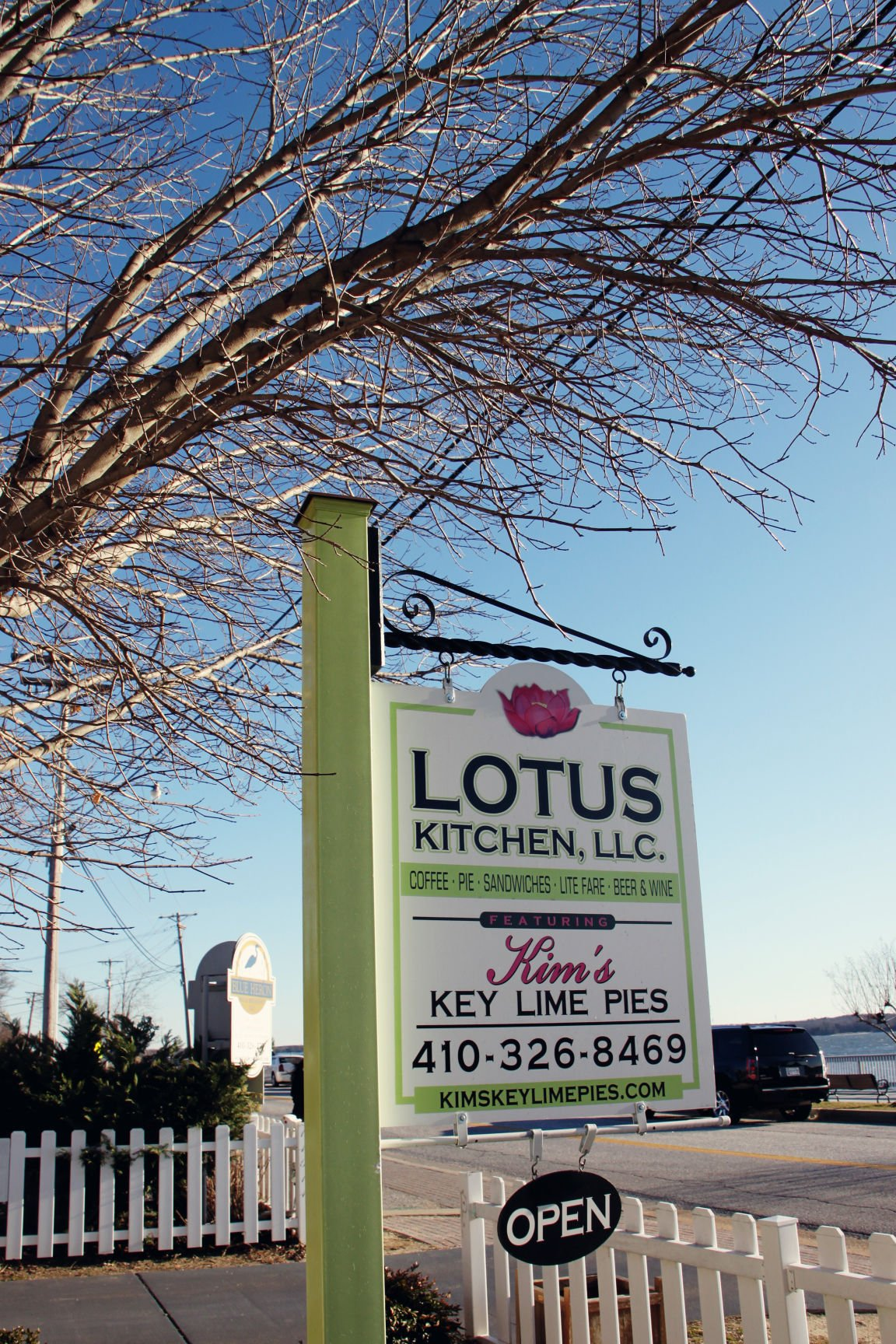 Pie with positivity: Lotus Kitchen cooking up \'comfortably elegant ...