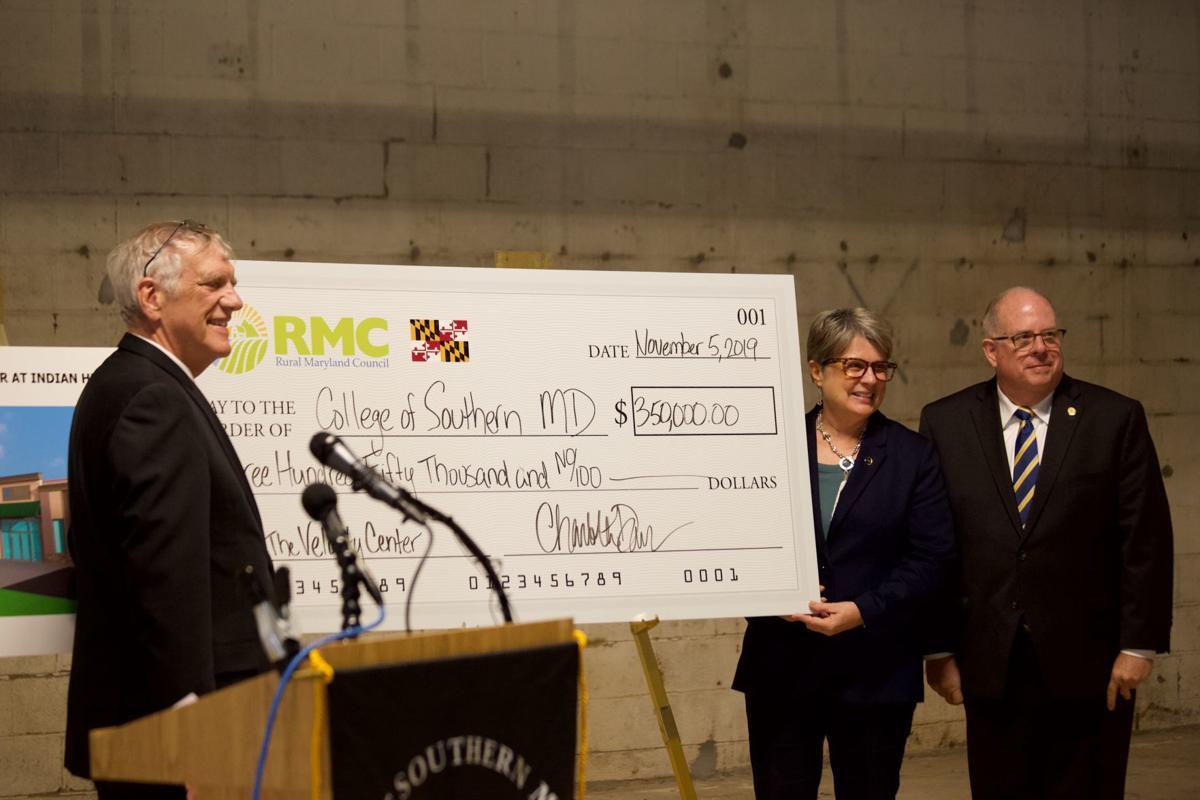Hogan visits Velocity Center, new medical imaging center