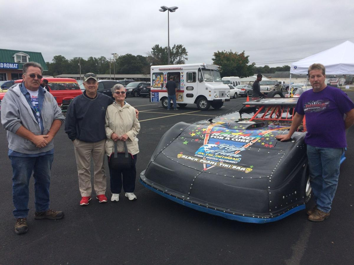 Spring Dell Center holds fundraiser with Racing For A Cure