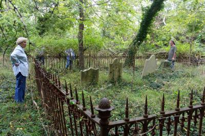 Hencoop cemetery