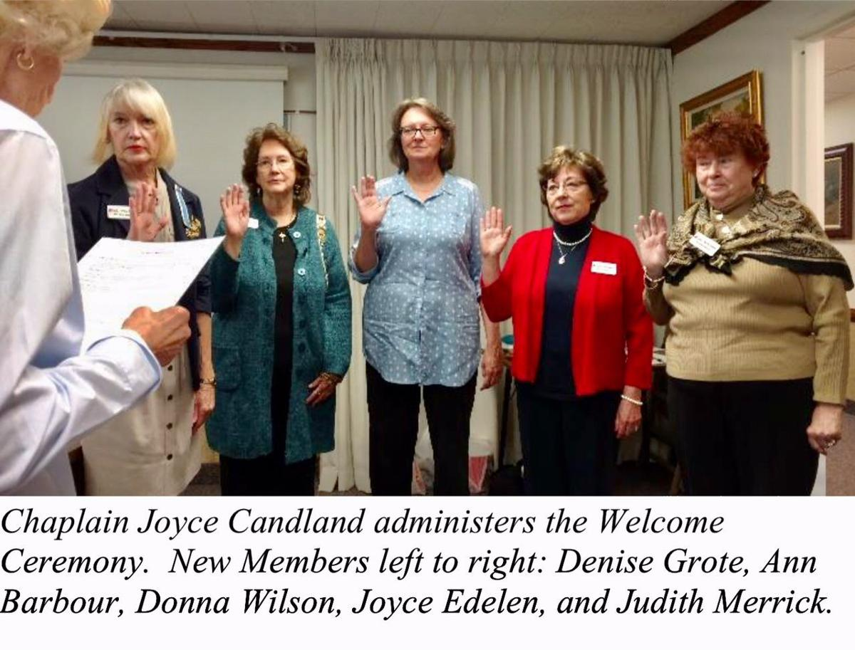 DAR chapter welcomes new members