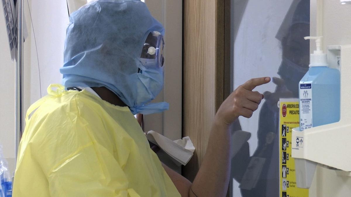 Virus Outbreak ICU Workers
