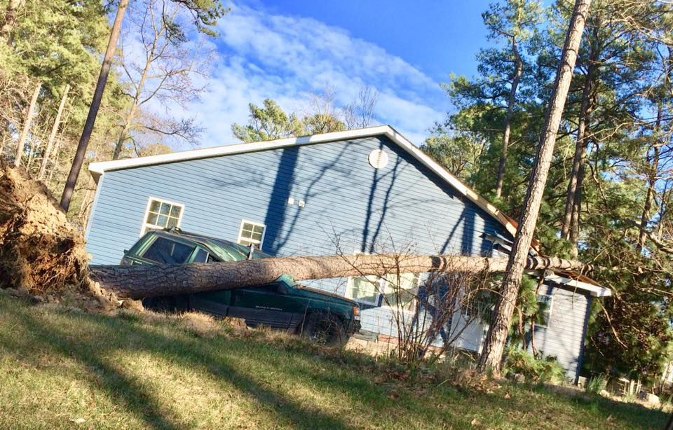 Strong winds cause Calvert closures massive outages