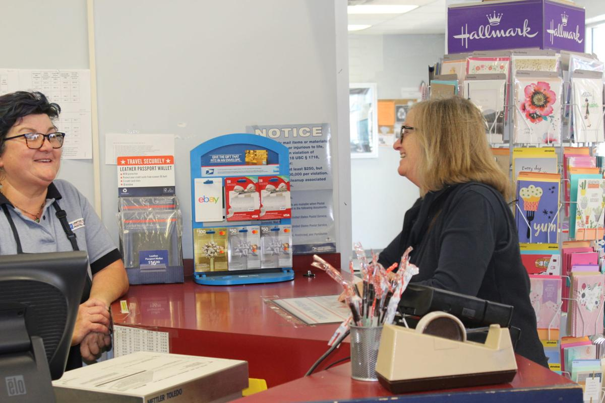 Solomons postal worker retires