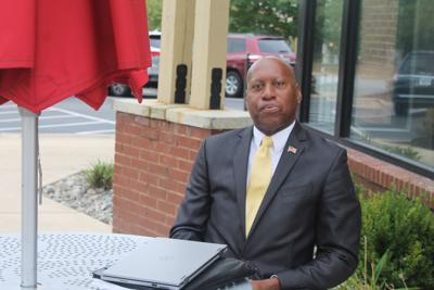 Navy vet takes up new mission to assist other veterans
