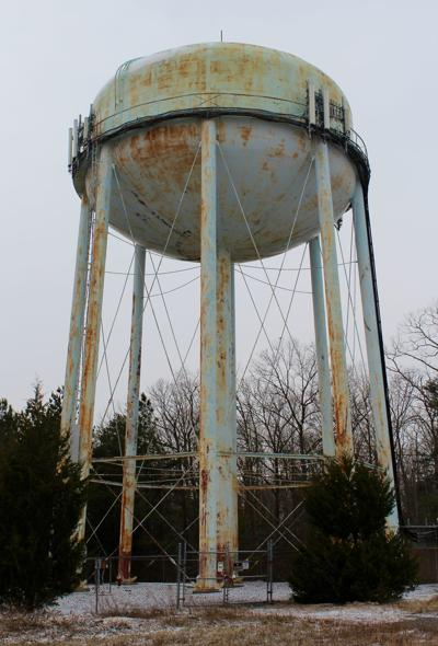 Hickory Hills water tower