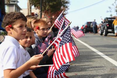 Parade draws veterans, state officials, community support