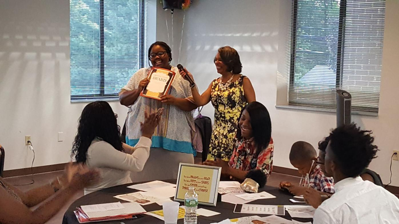 Scholarship ceremony recognize students from single-parent households