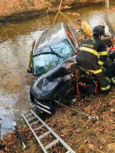 Vehicle crashes into water in Leonardtown