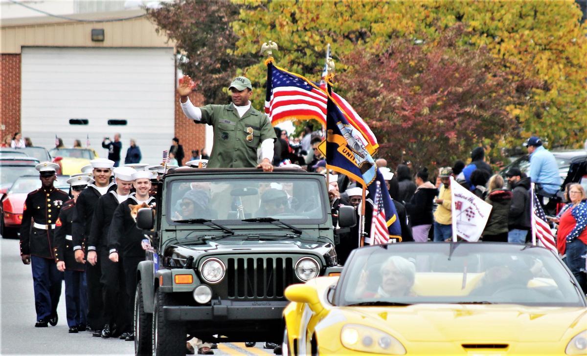 Sen. Ellis in the parade