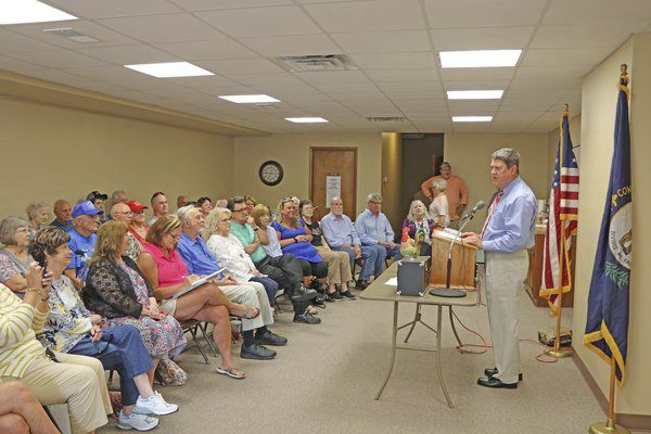 Stumbo makes campaign stop in Somerset