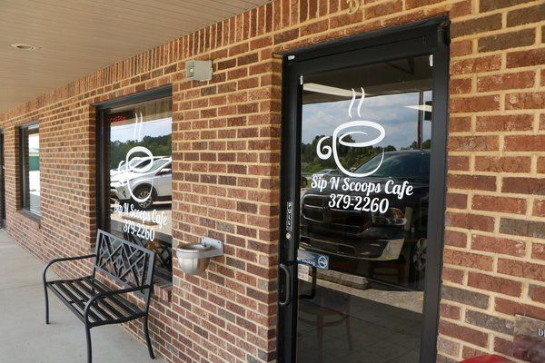 Sip N Scoops Cafe perks up Eubank food scene