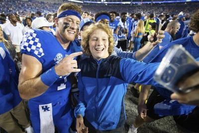 Kentucky fined $250,000 by SEC for fans storming fieldin Florida win