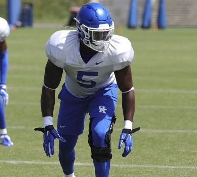 Peters cleared to play, giving Cats a boost on defense