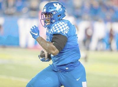 Stoops: Paschal's leadership giving Wildcats big lift on defense