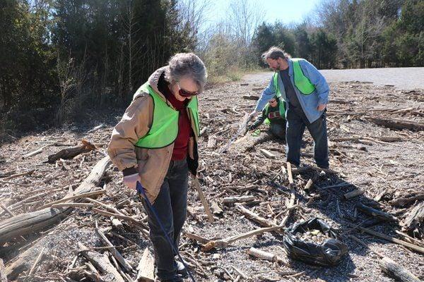 Lake Clean-Up focuses on debris at Burnside Island
