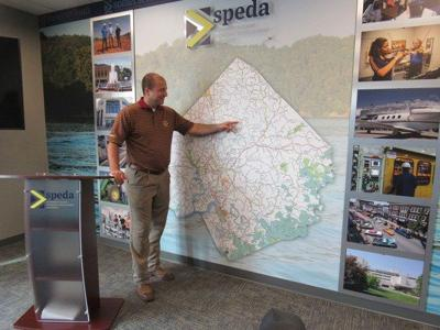 Chamber of Commerce hosts a SPEDA unveiling