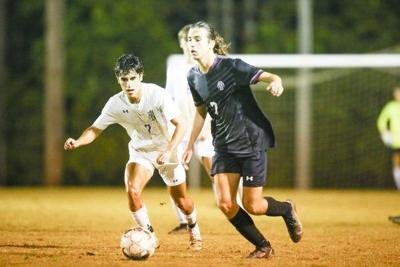 Somerset bounces back to win district title