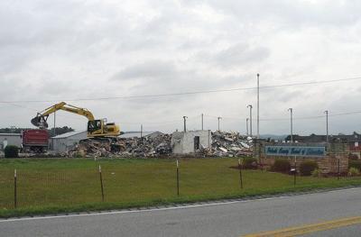 Former PulaskiBoard of Education buildingtorn down