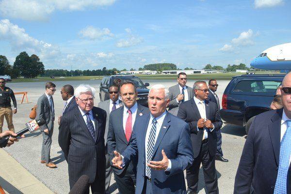 Vice President Pence lands at London-Corbin Airport
