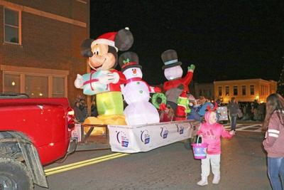 Christmas Parade has stocking filled with high number of floats, participants