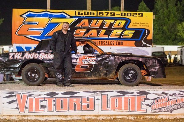Lake Cumberland Speedway welcomes dirt car race teams for Season Opener