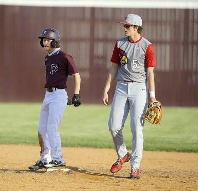 Wayne County edges Maroons in pitcher'sbattle