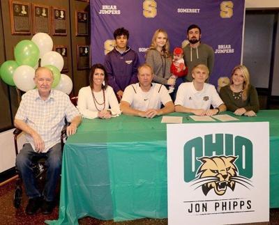 Jonathan Phipps signs with Ohio University
