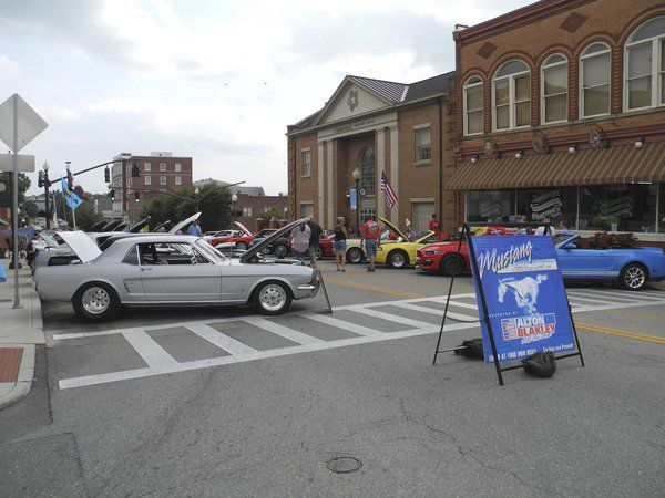 Somernites 'Super Cruise' hopes for record number of cars this weekend