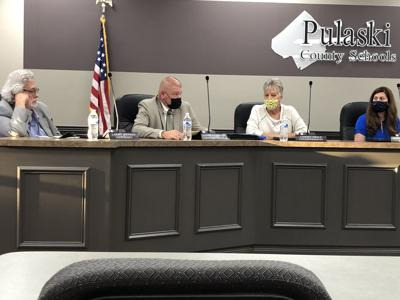 Richardson recommends to school board